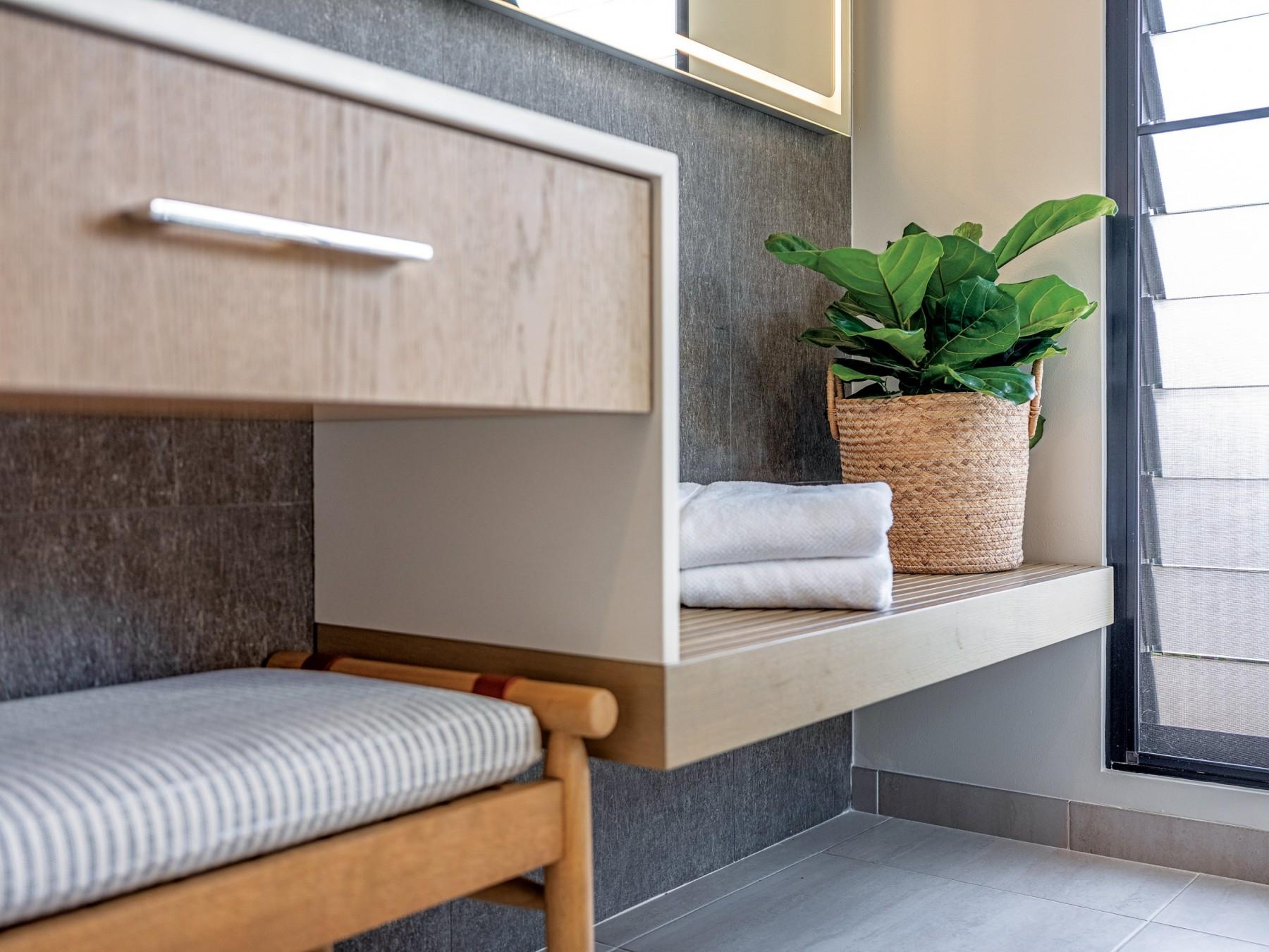 08 21 Hhr Feature Hawaii Kitchen Bath Bath 5