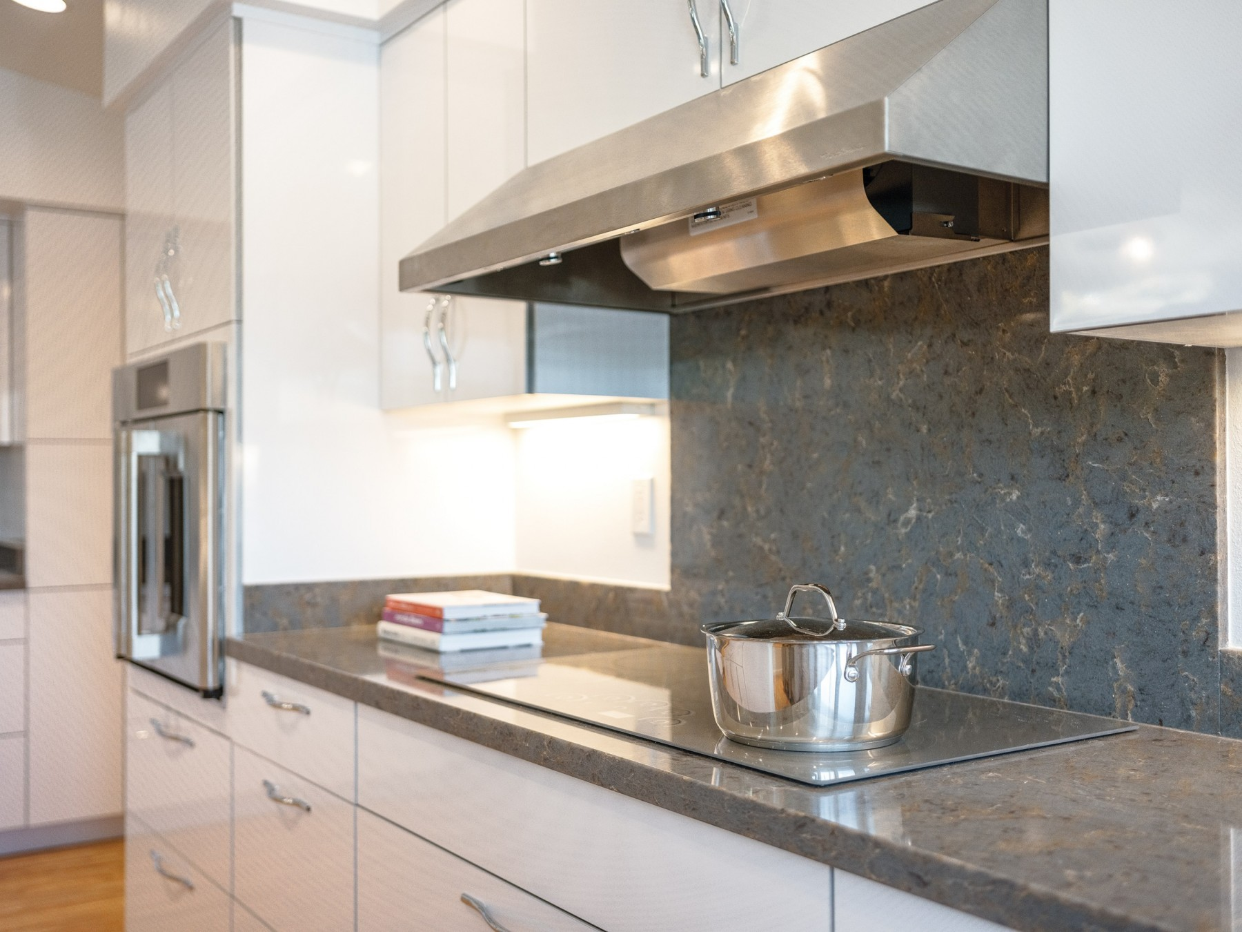 08 21 Hhr Feature Graham Builders Kitchen Bath 4