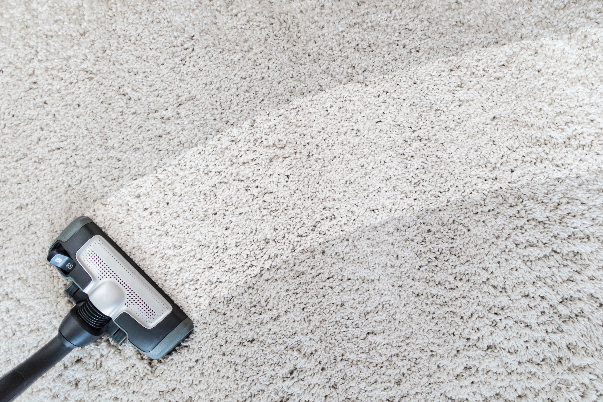 Cleaning Carpet Hoover.