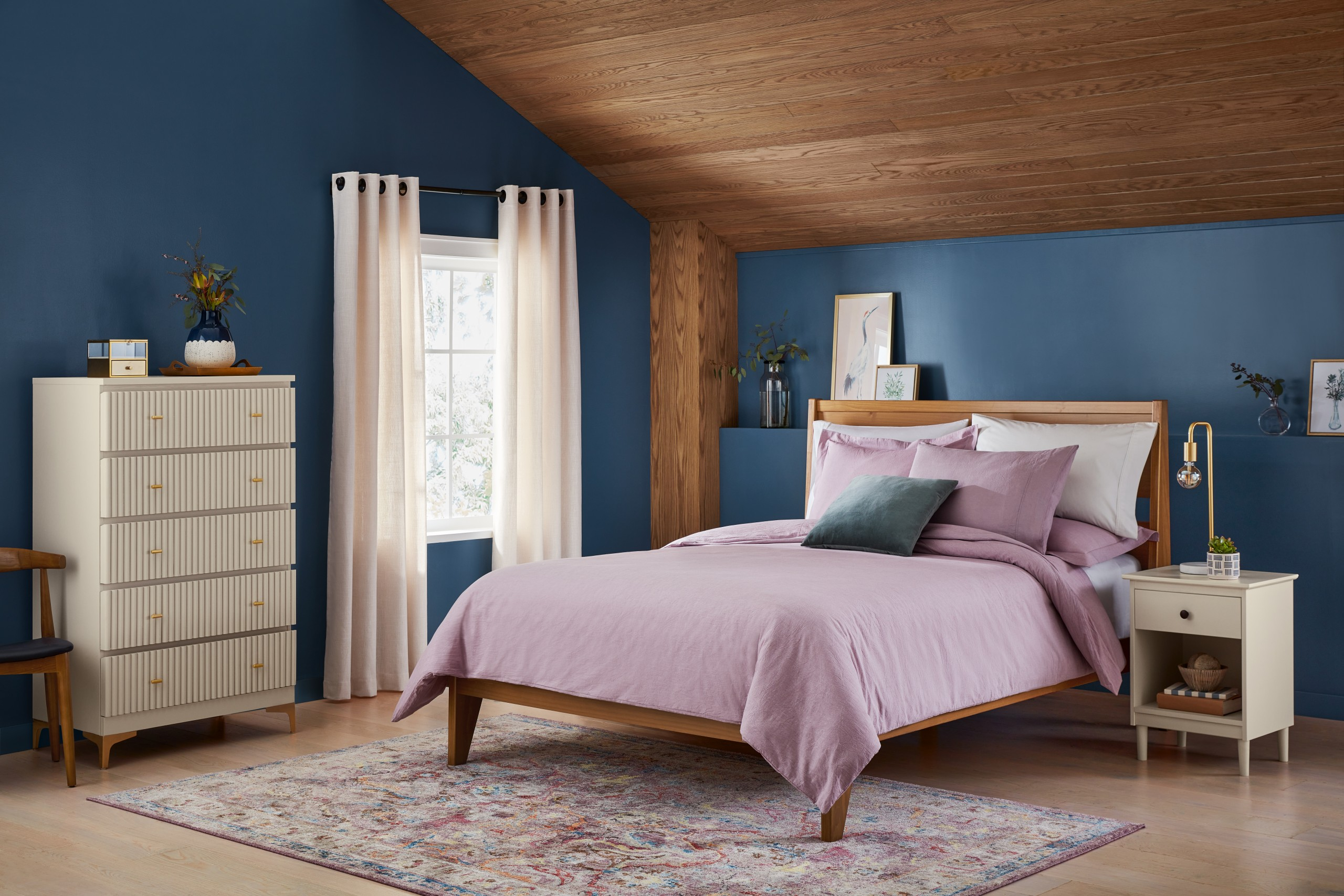 Valspar 2022 Color Of The Year Mountain River Flannel Gray